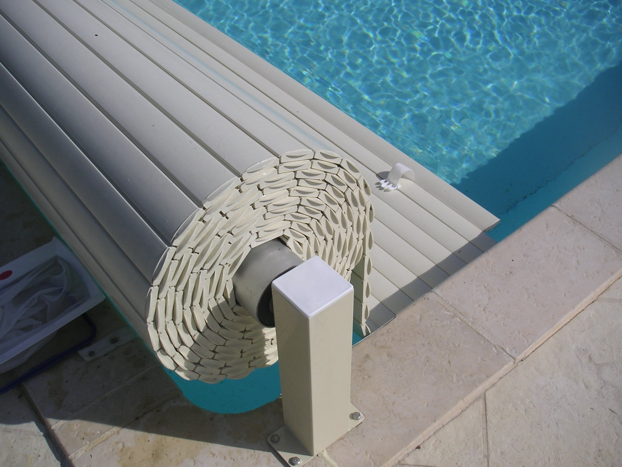 Couverture piscine automatique hors sol de qualit for Couverture pour piscine