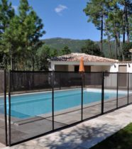 Cloture de s curit et barri res de piscine conformes nf p for Barriere amovible pour piscine