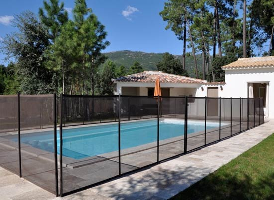 Barri re d montable beethoven une protection piscine for Barriere piscine beethoven